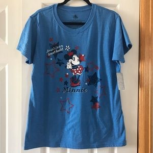 Disney Tops - Disney Minnie Mouse  T-shirt NWT Disneyland